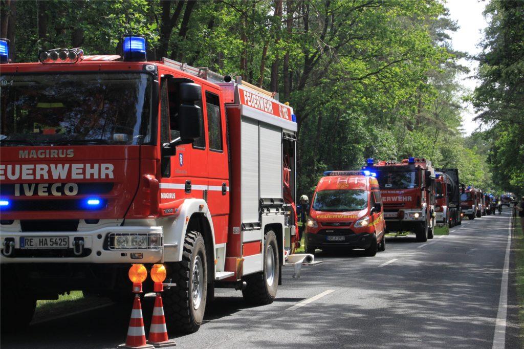 Mit einem Großaufgebot der Feuerwehren aus Haltern und Umgebung waren die Einsatzkräfte vor Ort.
