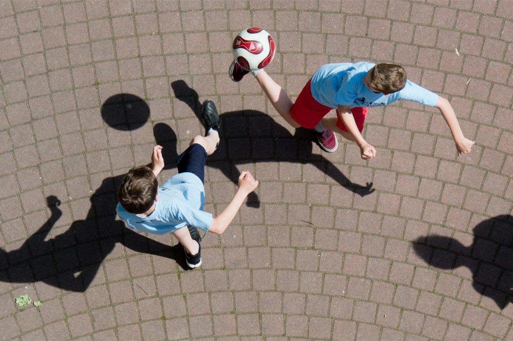 Viele Detail sind noch nicht klar, bis die Kinder wieder ausgelassen und ohne Abstände spielen können wird es noch dauern.