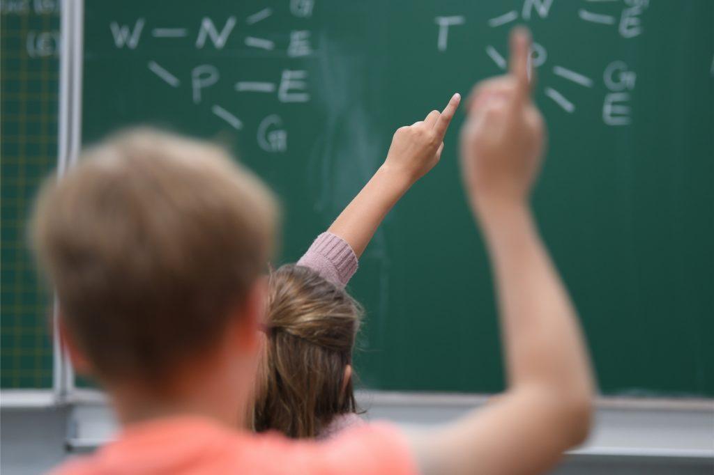 Alle Grundschüler gehen ab Montag wieder täglich zur Schule. Vor allem Mathe und Deutsch steht bis zu den Sommerferien in der Brigidenschule auf dem Stundenplan.