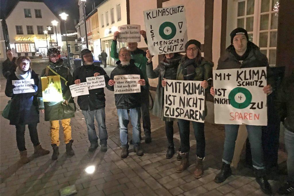 Das Thema Klimaschutz ist in Werne präsent: So demonstrierten etwa Mitglieder der Bewegung Parents for Future Ende 2019 vor der Ratssitzung.