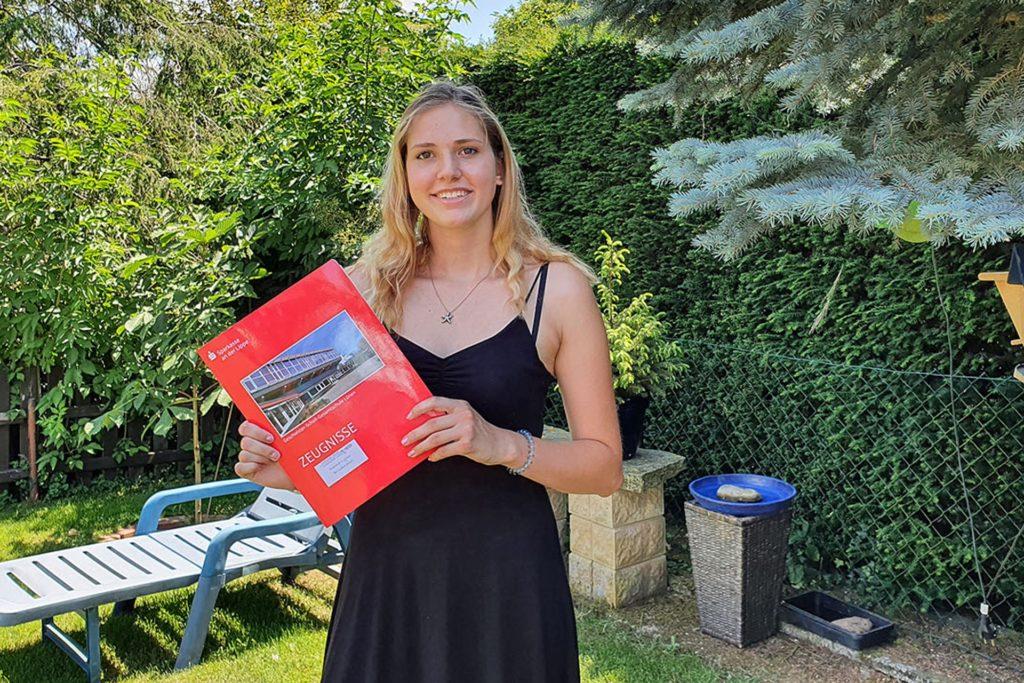 Für Emma Brinkmann stehen zunächst Ferien an. Danach möchte sie eine Ausbildung zur Polizistin starten - oder zur Pilotin.