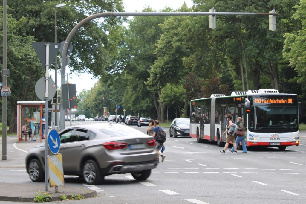 Donetz legt neue Leitungen an der Stockumer Straße