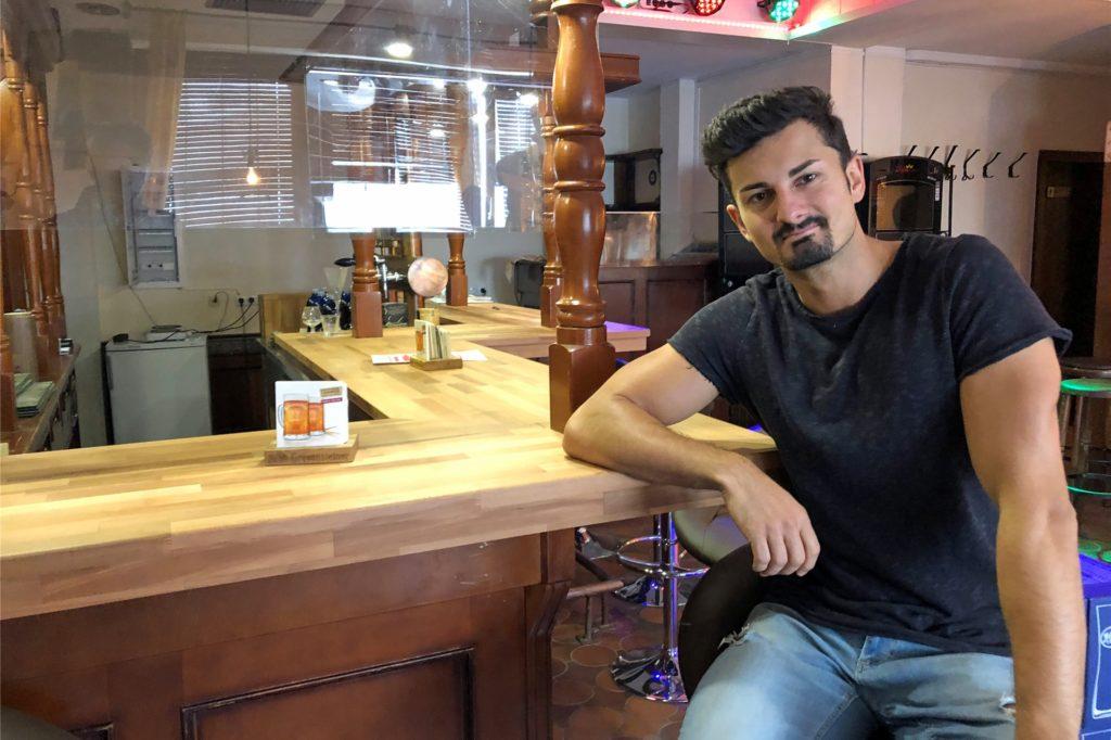 Alexander Ruscher eröffnet an der Cappenberger Straße in der ehemaligen Destille
