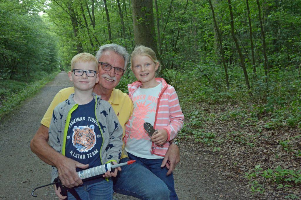 Unterstützung bekommt Bensch auf seiner Mission von seinen Enkeln Verena (8) und Christopher (7).