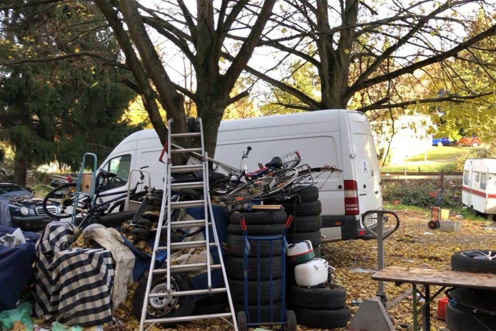 Ein Video zeigt, wie es in und um ein Mehrfamilienhaus an der Wittener Straße im November 2019 aussah.
