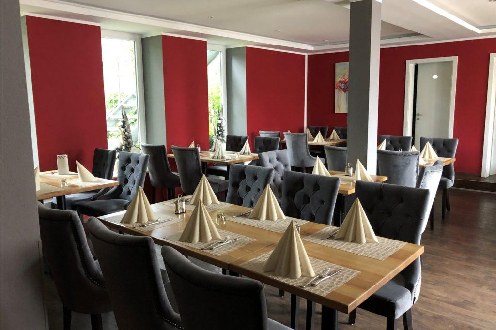 Das Restaurant hat helle, freundliche Räume.