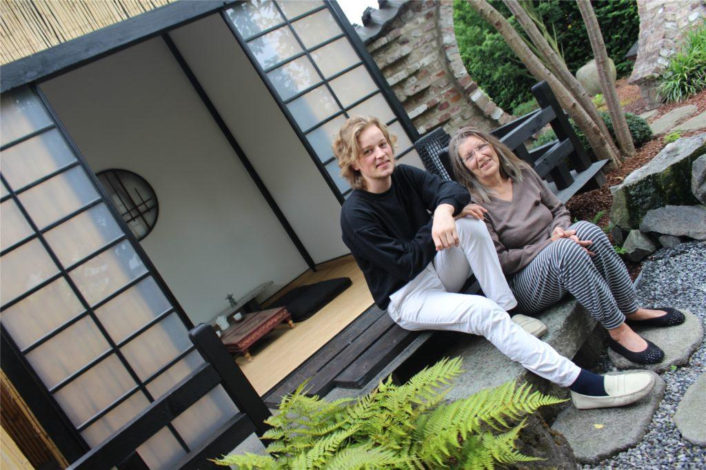 Das selbst gebaute Teehaus im japanischen Stil ist für Birgit Pflüger ein Highlight ihres Gartens.