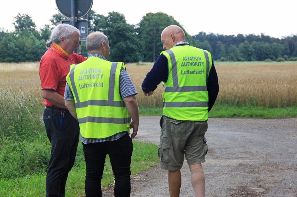 uch von der Luftaufsicht der Bezirksregierung Münster waren Mitarbeiter vor Ort.