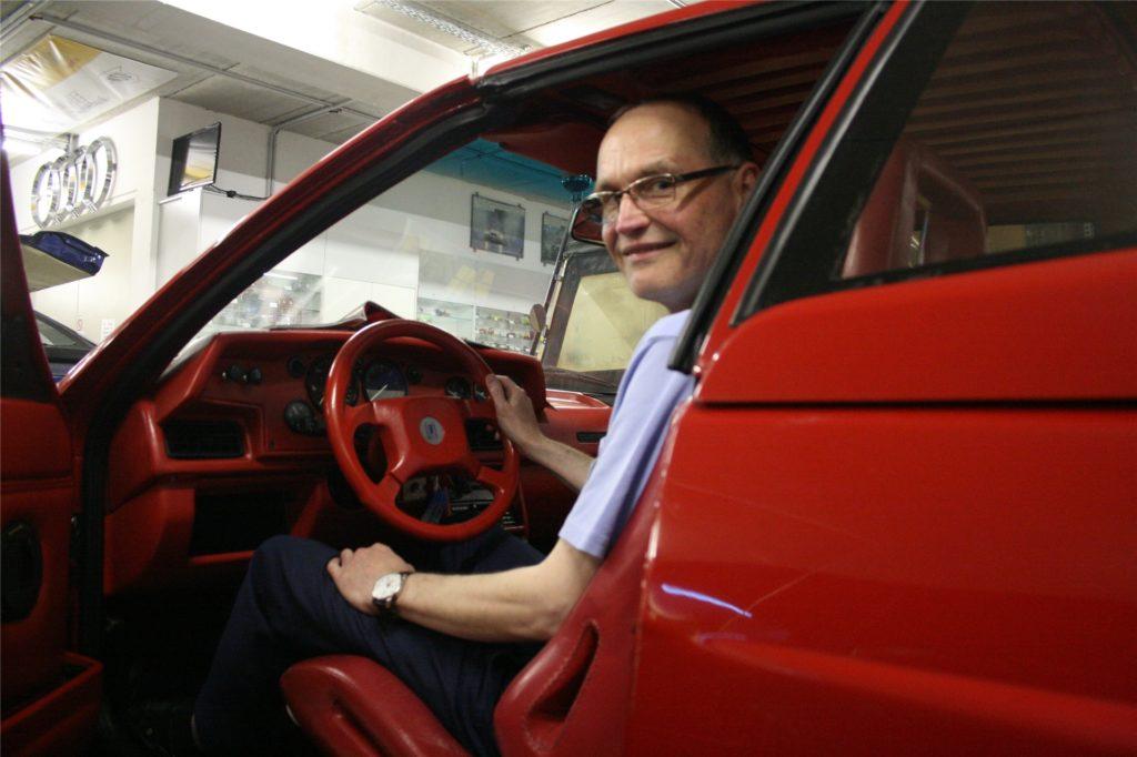 Der Treser Audi quattro Roadster ist wegen der knallroten Innenausstattung und des Geruchs nach altem Leder einer von Thomas Höings Lieblingswagen.