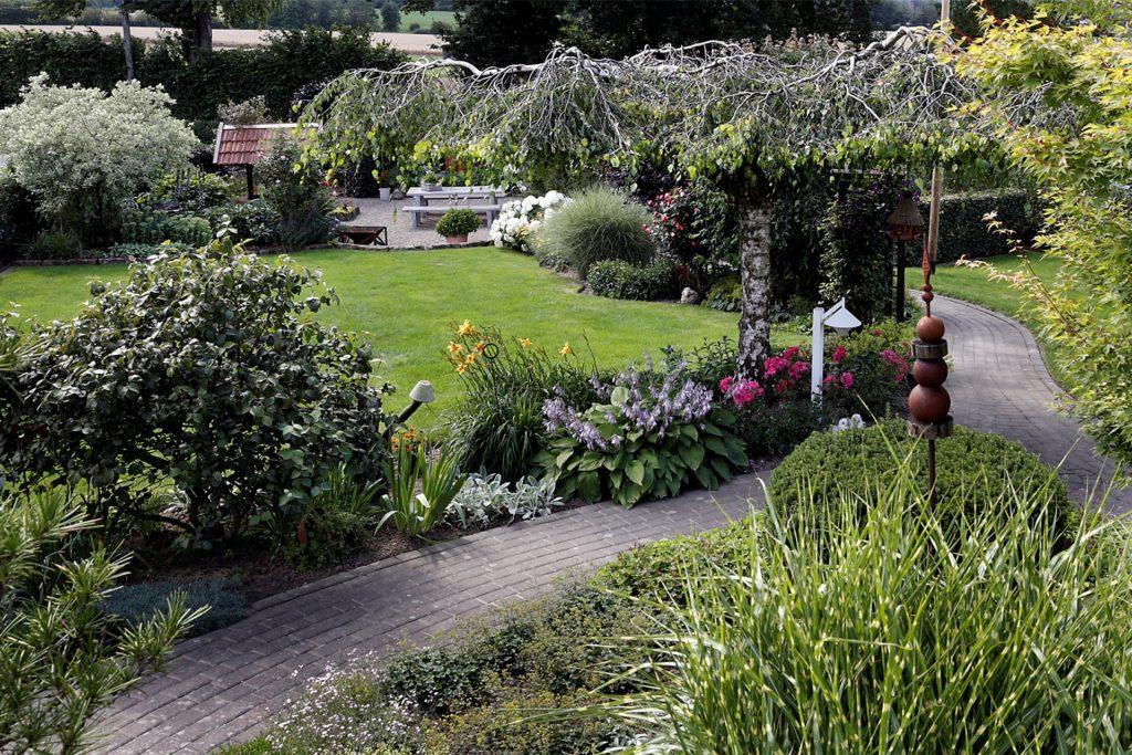In Lavesum haben Christiane und Herbert Brockmann einen parkähnlichen Garten angelegt.
