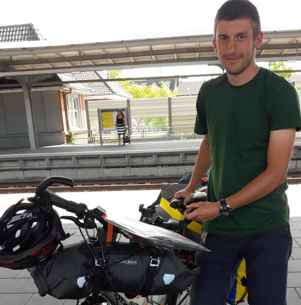 Der Marathon ist nicht die erste ungewöhnliche Aktion des 21-Jährigen. Zill ist auch schon mit dem Rad nach Stockholm gefahren.