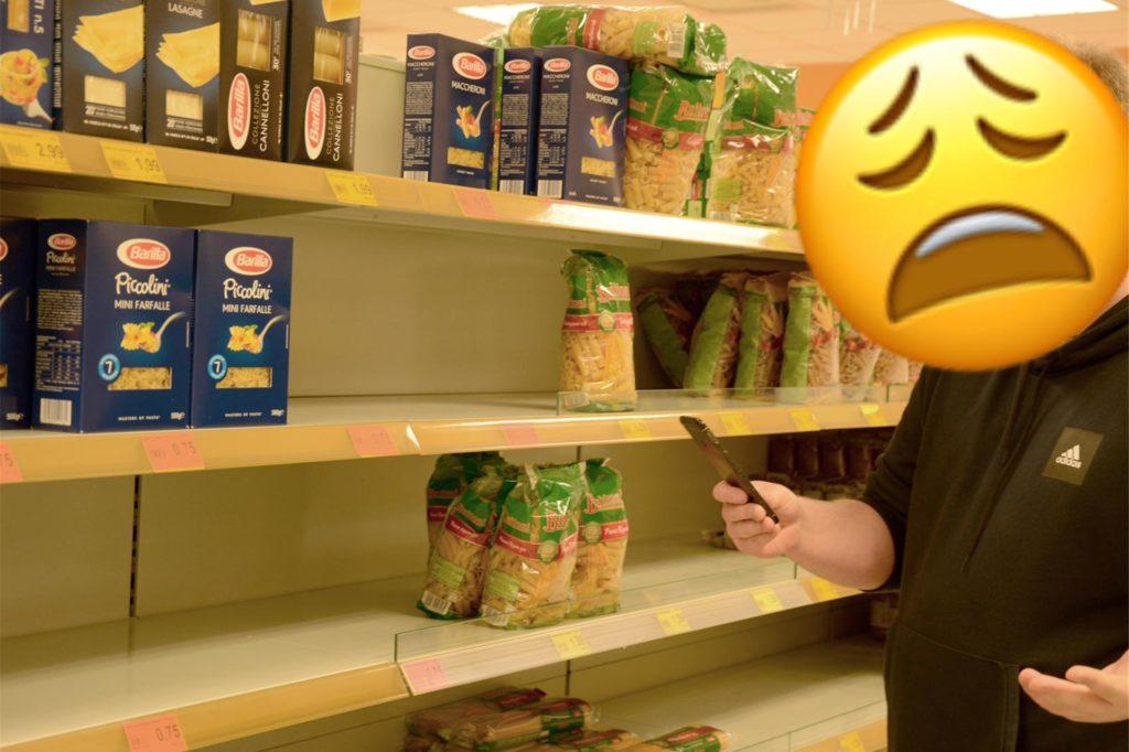 März 2020 in Deutschland: Wer Mehl, Hefe, Toilettenpapier oder Nudeln kaufen möchte, hat es nicht so leicht wie sonst. Menschen in Selm, Olfen und Nordkirchen spüren eine der ersten Folgen der Pandemie durch die Hamsterkäufe einiger. Leere Regale im Supermarkt – in normalen Zeiten eigentlich undenkbar – gehören in dieser Phase der Krise zur Normalität.