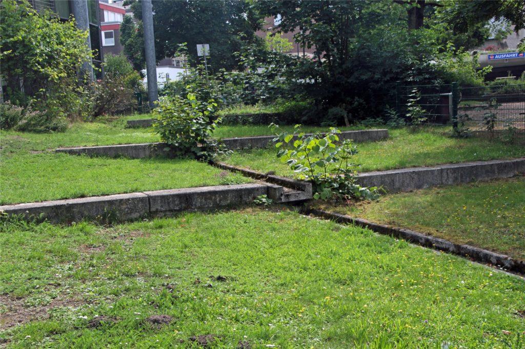 Die Wasser-Kaskade von der Höhe des Kinderspielplatzes in den Moormannteich war so gut wie nie in Betrieb.