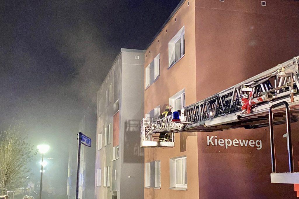 Bereits im März 2020 brannte ein Keller in Westerfilde. Damals war es im Gerlachweg, am Sonntag musste die Feuerwehr zum Kiepeweg ausrücken.