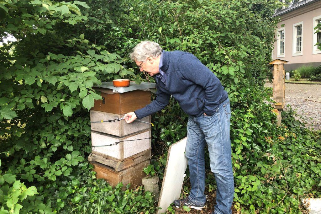 Magnus Heier hat auch ein Bienenvolk in seinem Garten.