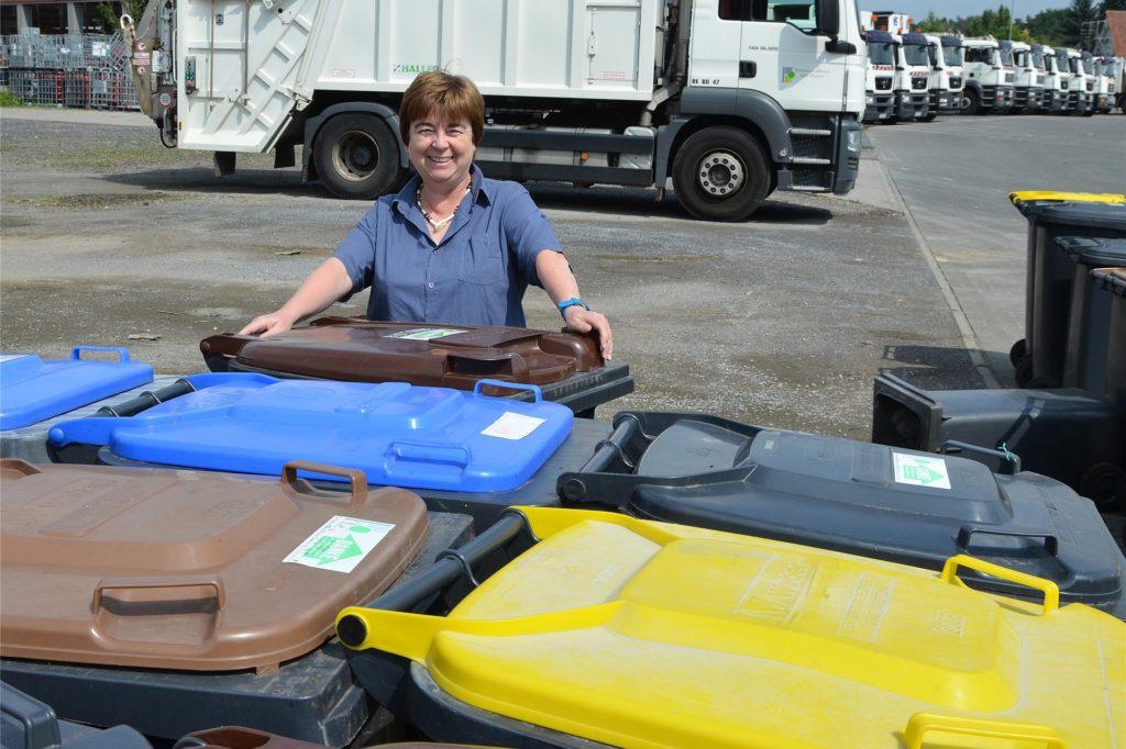 Abfallberaterin Ursula Eickmeier vom EBD gibt Tipps zur Vorbeugung und Behandlung von Madenbefall im Sommer.