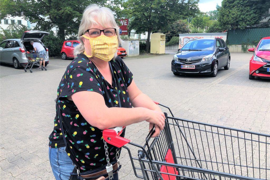 """Ute Strehlau aus Marten wundert sich über die niedrigen Fallzahlen im Stadtbezirk Lütgendortmund. """"Das ist einfach nur Glück."""""""
