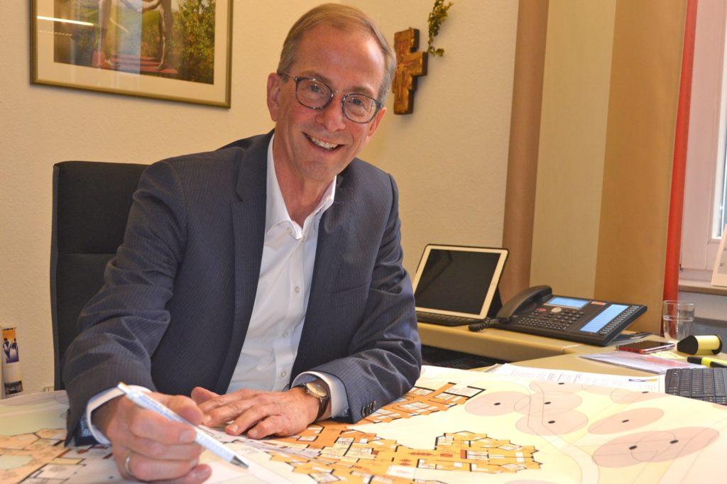 Johannes Böcker ist Interims-Geschäftsführer der katholischen Altenwohnhäuser St. Sixtus und St. Anna.