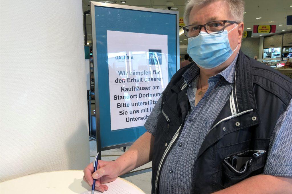 Unterschriften für den Erhalt von Galeria Kaufhof in Dortmund