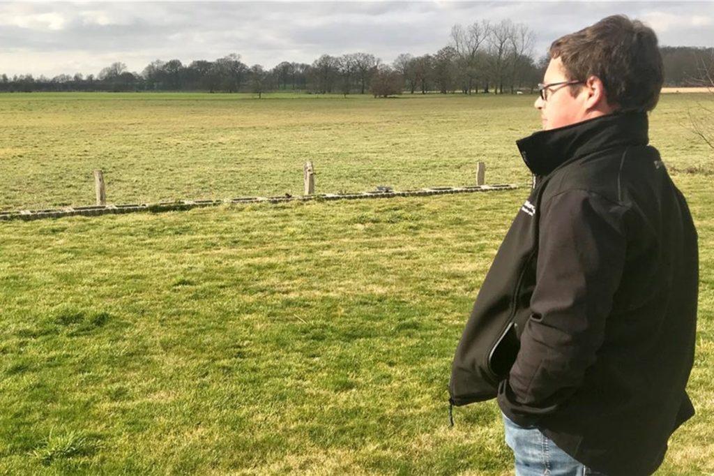 Der Blick von seinem Garten geht ins Grüne. Doch Jörg Michelt fürchtet, dass sich dies eines Tages ändern könnte.