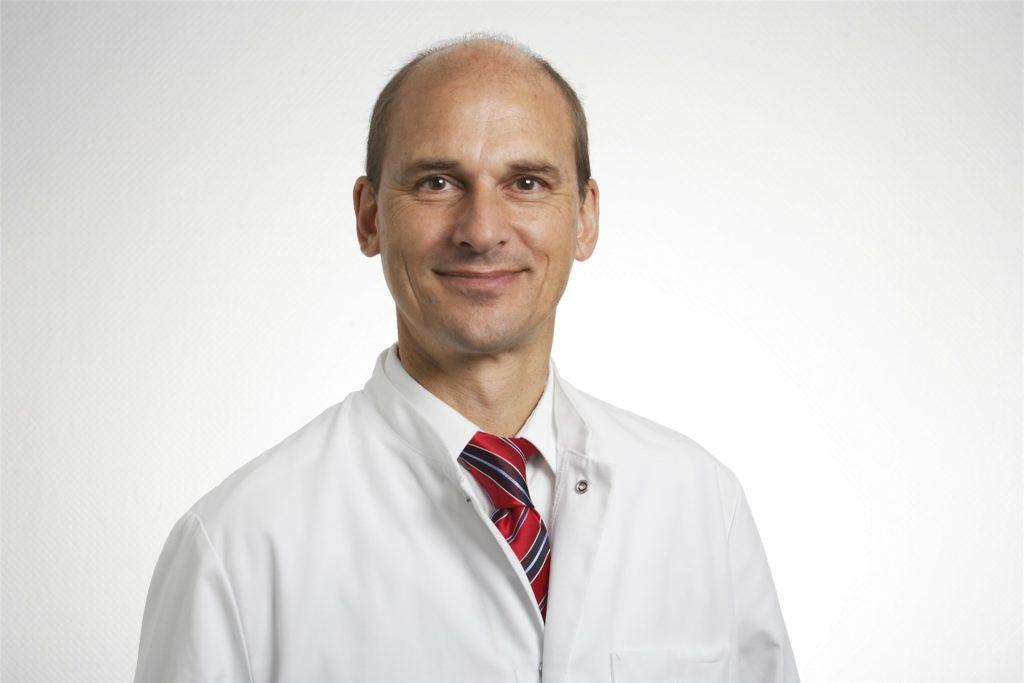 Dr. Georg Kunz, Chefarzt für die Klinik für Gynäkologie und Geburtshilfe am St.-Johannes-Hospital