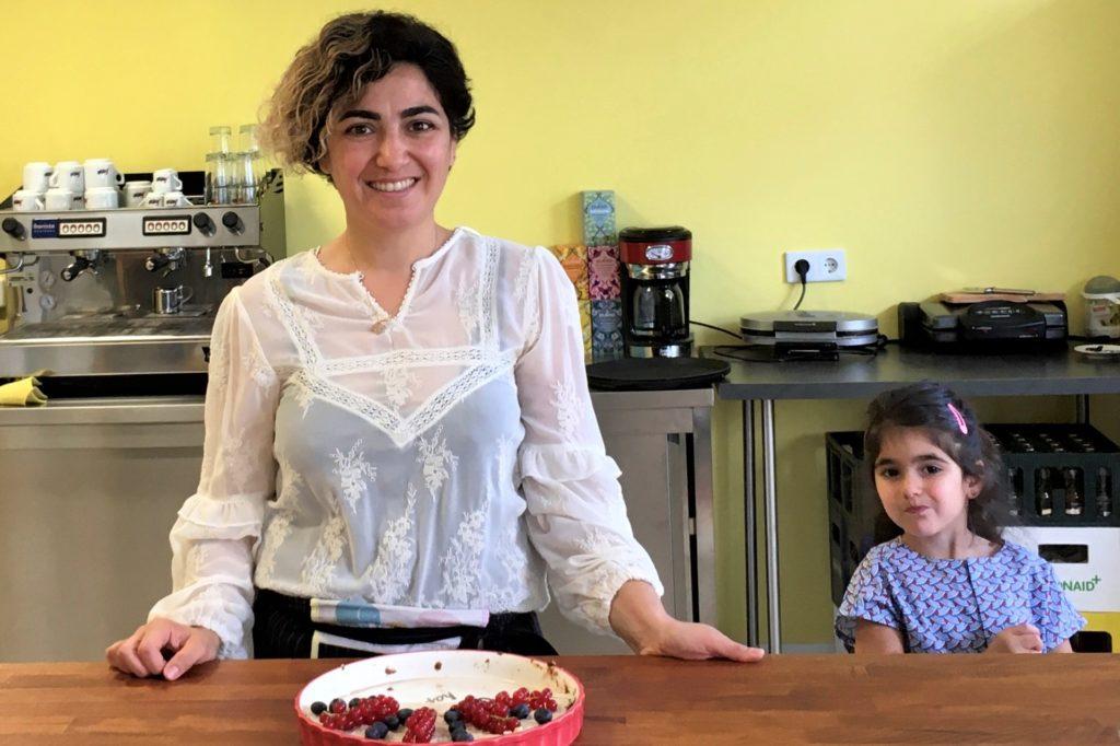 Pinar Kum backt jeden Tag frischen Kuchen und Torten - auch vergan und glutenfrei.