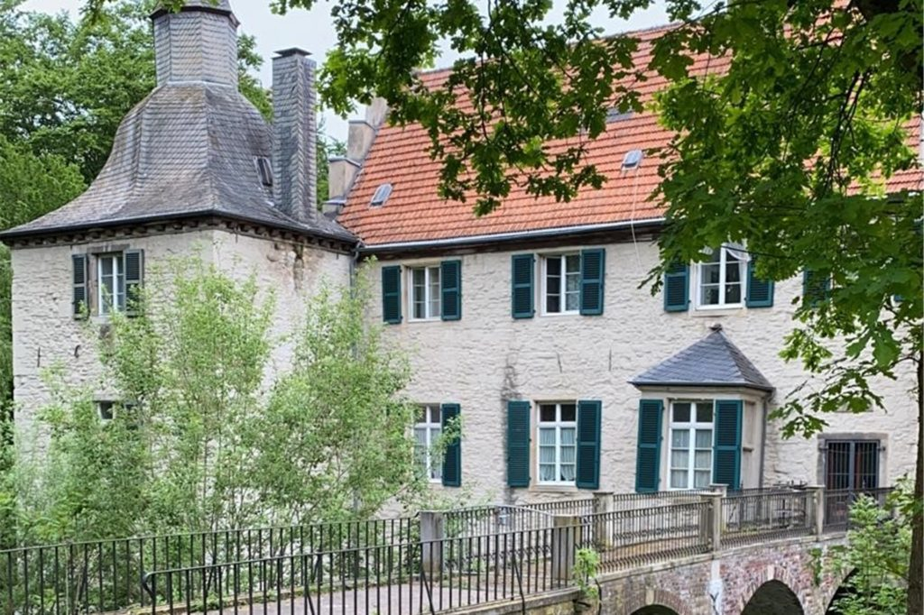 In Dortmund führen die Strecken des Laufcamps rund um das Haus Dellwig und den Volksgarten Lütgendortmund.