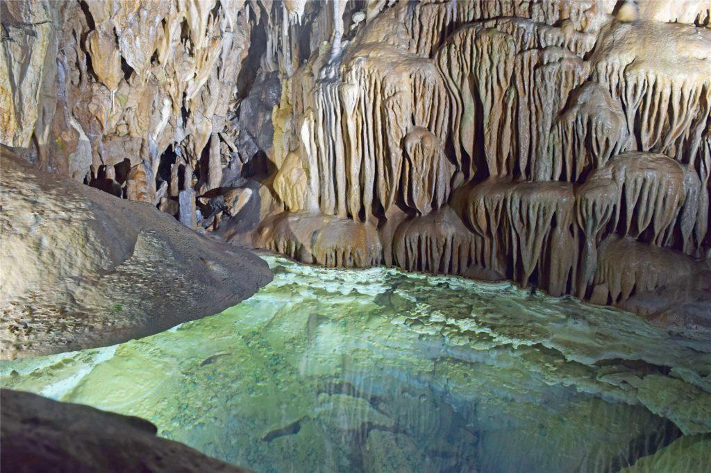 Nixenteich in der Dechenhöhle Iserlohn.