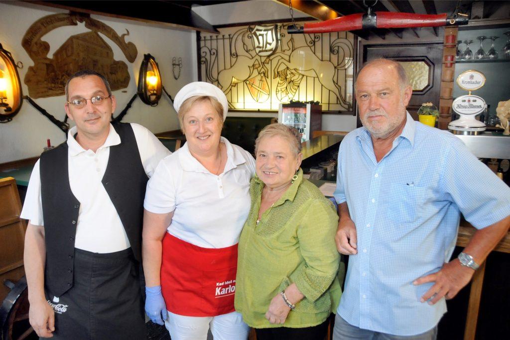 Cica Mihelj (2.v.r.) und ihr Team wollen das 40-jährige Wirtejubiläum nicht an einem Tag, sondern vier Wochen lang mit ihren Gästen feiern.