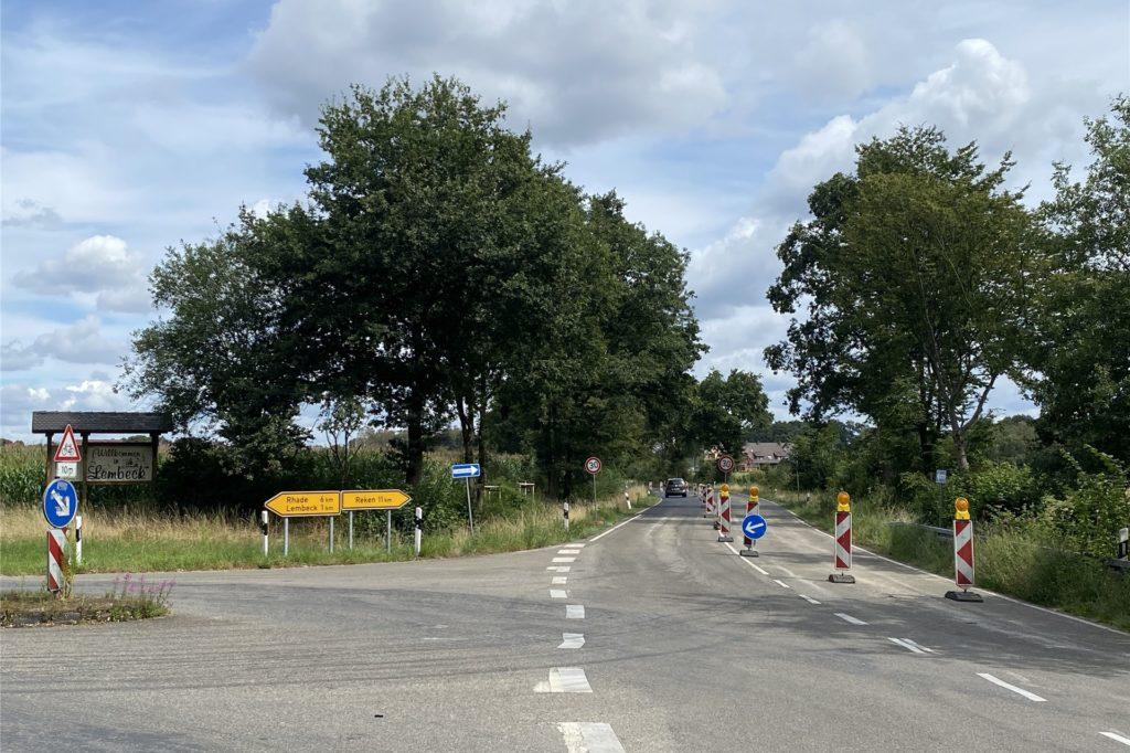 Der Verkehr wird ab Freitag links durch den Ortskern Lembeck geführt.
