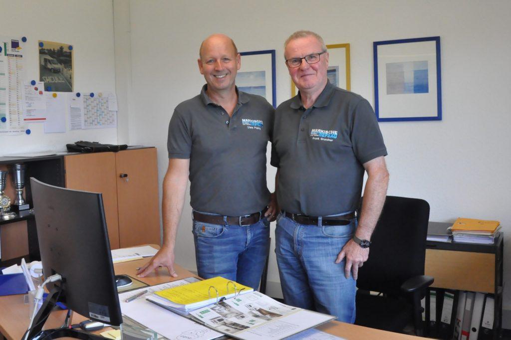 Drei Generationen von Geschäftsführern erlebte Frank Grundner (rechts) mit: Seit 1999 leitet Uwe Pamp (links) das Unternehmen.