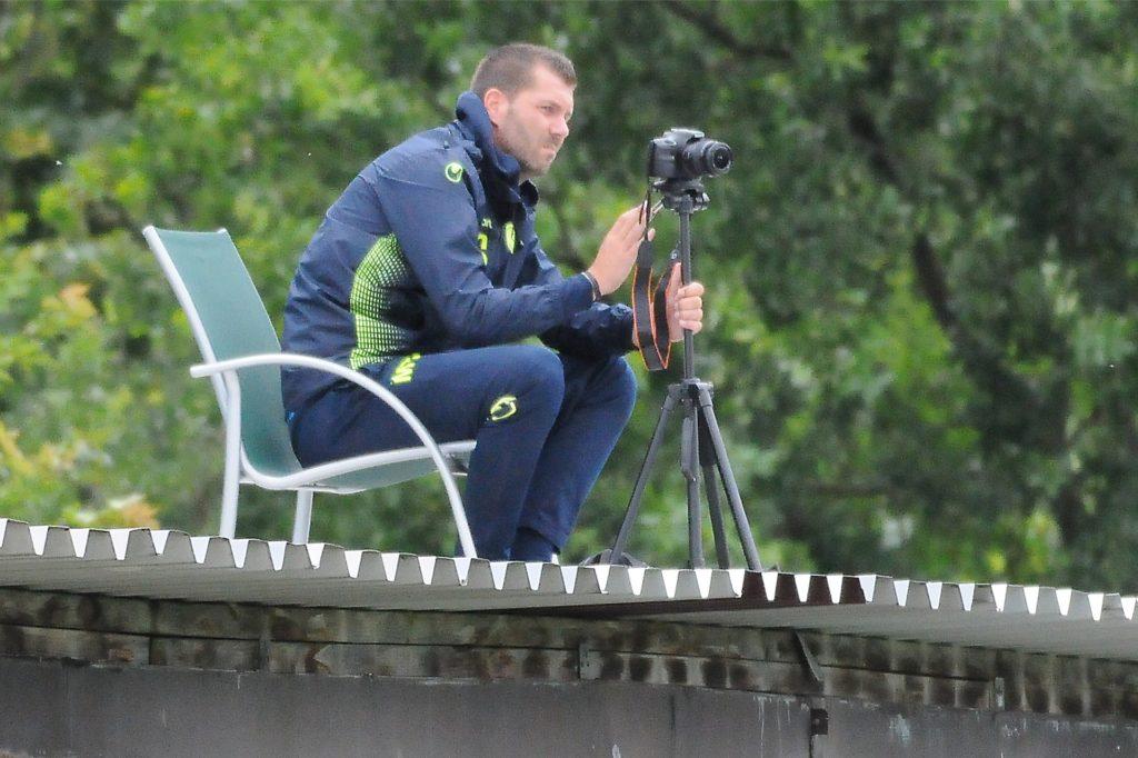 Schwerins Trainer Marco Taschke möchte sich mit seinem Kollegen Dennis Hasecke in den kommenden Wochen noch ein Bild von den neuen Bezirksliga-Gegnern machen.