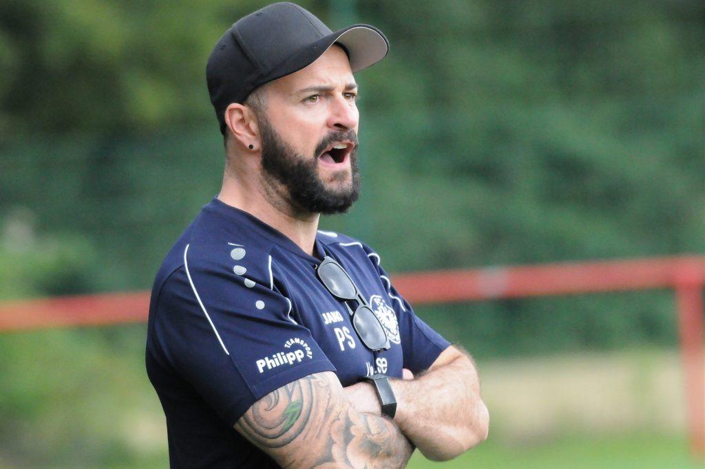 Betritt mit seiner Mannschaft ab dem 6. September komplett Neuland: Patrick Stich, Trainer des FC Castrop-Rauxel
