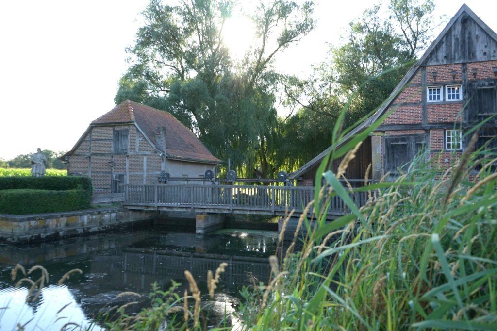 Die Wassermühle ist ein beliebtes Ausflugsziel.