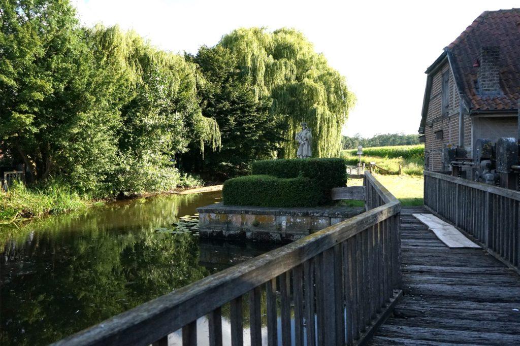Die Marode Brücke an der Wassermühle soll noch im August saniert werden.