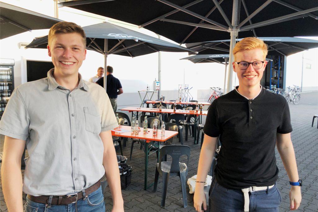 Sie zählten zu den jüngsten Teilnehmern der Tour. Alexander Kaiser (l.) und Simon Berkemeier. Der 19-jährige Schüler Simon Berkemeier unterstützt den Bürgermeisterkandidaten bei seinem Instagram-Auftritt.