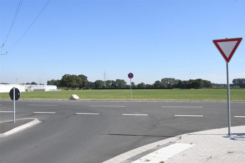 Die K44n endet zurzeit hinter dem vierten Arm des Kreisverkehrs Werner Straße/Zeche-Hermann-Wall.