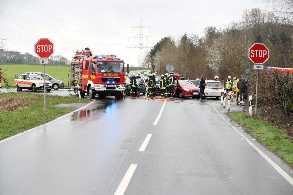 Die Unfallhäufigkeit an der Kreuzung Cappenberger Damm/Werner Straße/Selmer Landstraße soll durch einen Kreisverkehr minimiert werden.