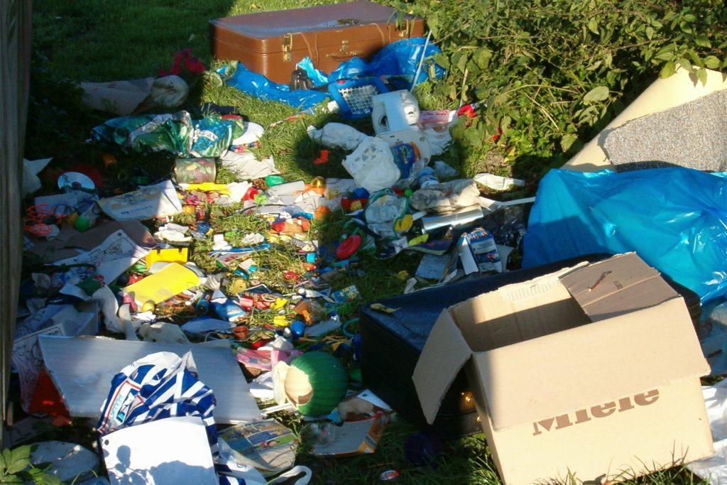 Immer häufiger werden illegale Müllkippen in der Gemeinde Ascheberg gefunden. Die Corona-Krise zeigt auch hier Auswirkungen.