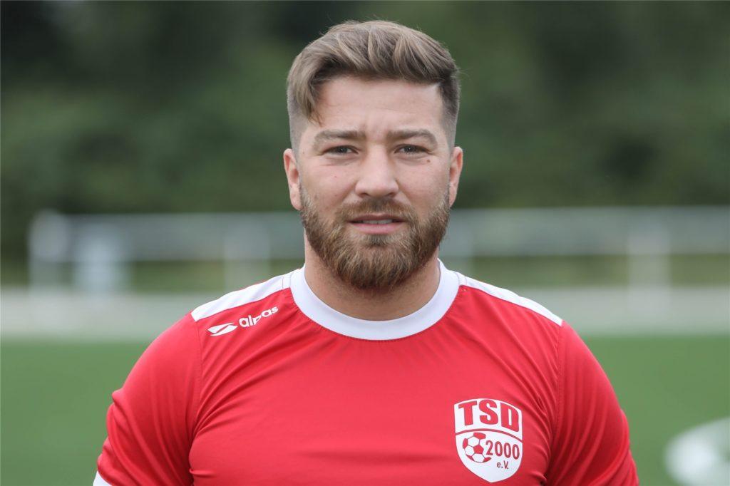 Der 29-Jährige Mittelfeldspieler Mehmet Ayan ist nach Frohlinde gewechselt, um mit seinem Bruder zusammen zu spielen und will nun auch den Pokal holen.