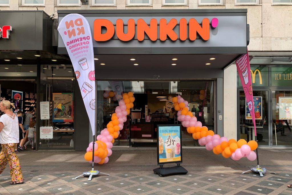 Zwischen Foot Locker und McDonalds gibt es jetzt Donuts.