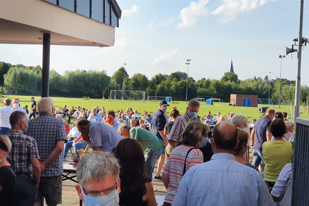 Der Andrang im Dinkelstadion war bereits 30 Minuten vor Beginn der Veranstaltung riesig.
