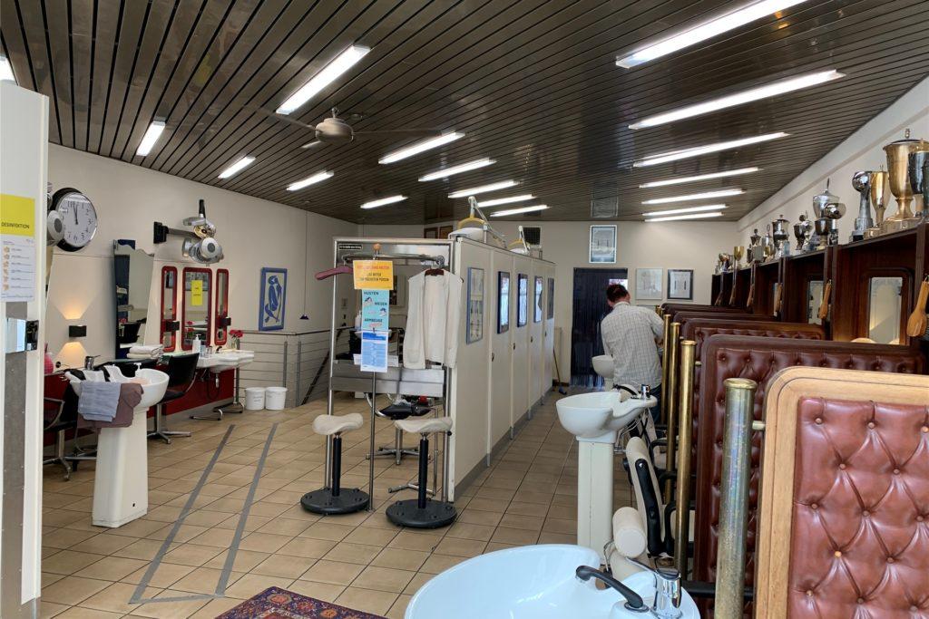 Teilweise öffnet Kulig seinen Laden früher, damit sich nur ein Kunde im Geschäft befindet.