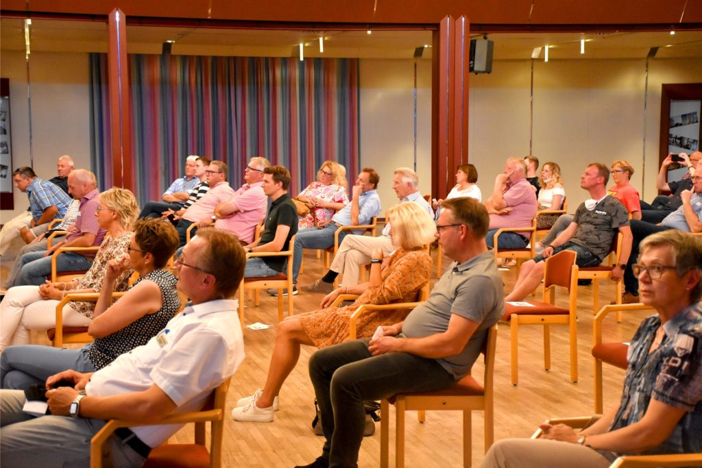 Unterschiede in den Standpunkten der beiden Kontrahenten mussten die Zuhörer schon mit der Lupe suchen.
