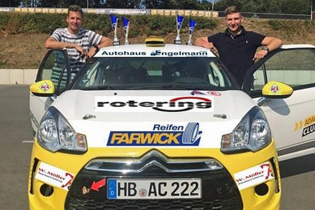 Beim Rennen in Bremerhaven: Co-Pilot Guido Möller (l.) und Niklas Möller.