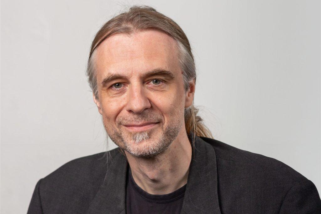Linken-Ratsvertreter Utz Kowalewski spricht sich für ein Lkw-Verbot auf dem Hellweg aus