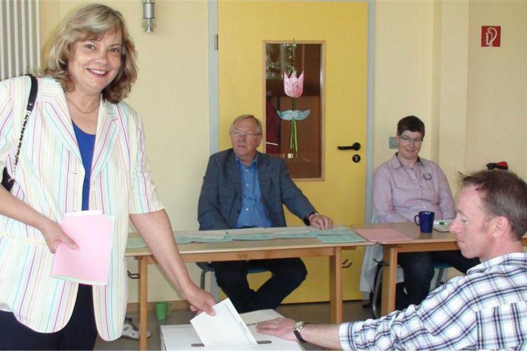 Bereits 2014 trat Elke Rybarczyk (l.) als Bürgermeisterkandidatin der SPD an.