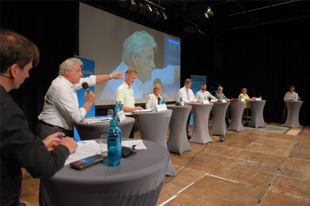 Bei der Podiumsdiskussion widmeten sich die Politiker auch dem Thema Sportarena Wandhofen.