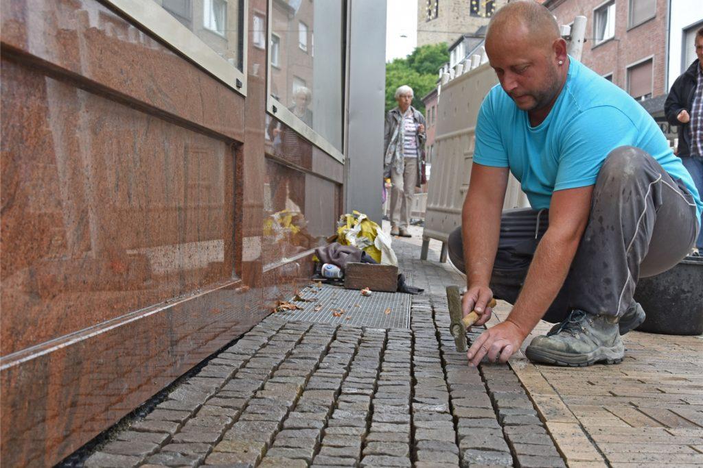 Recklinghäuser Str. Innenstadt Bauarbeiten, José Barbosa auf Bild.