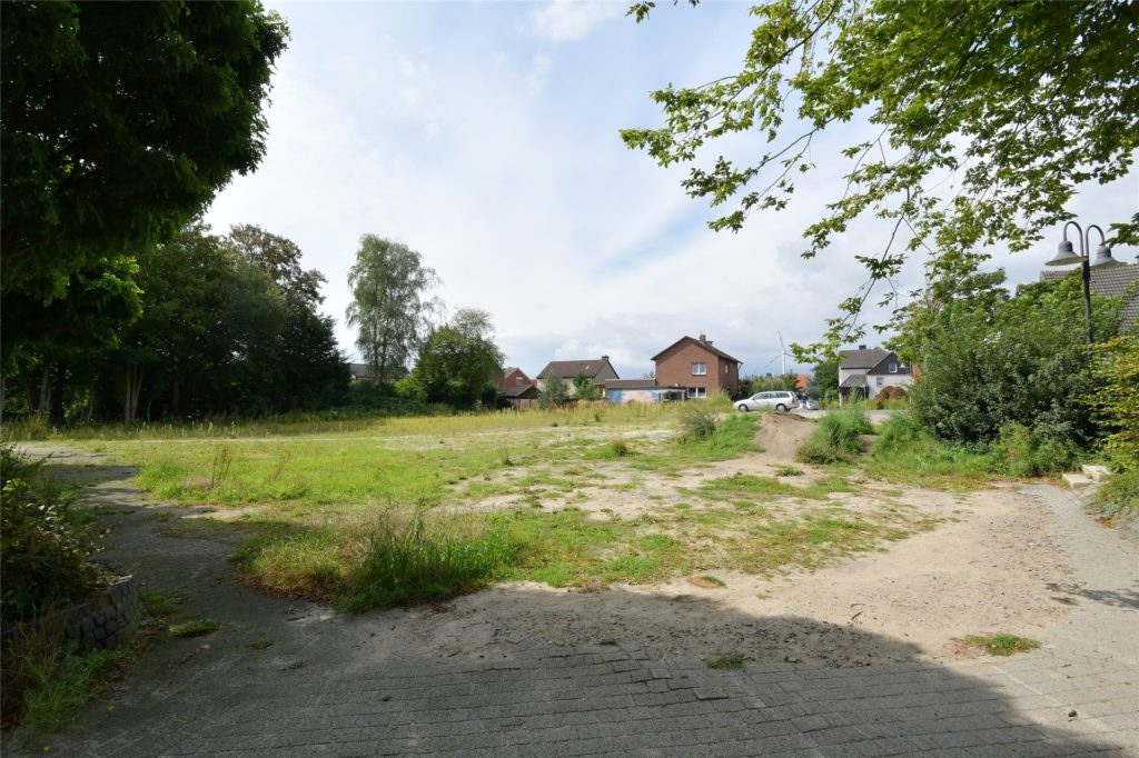 Inzwischen ist Gras über die Sache gewachsen: sowohl über das Baugrundstück in Bork als auch über die ursprünglichen Baupläne.